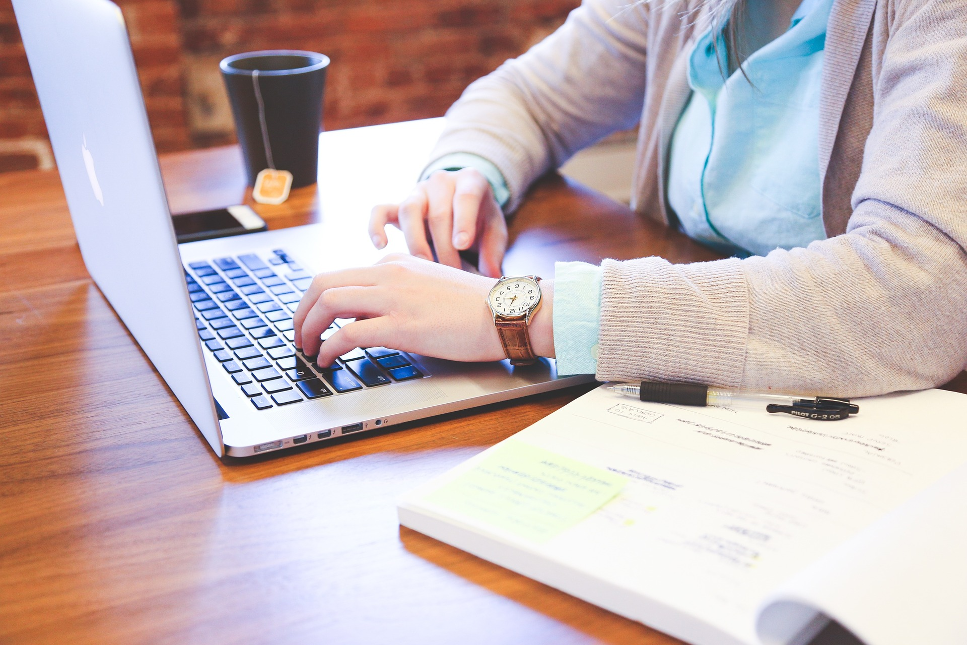 8 Steps to Hire The Right Content Marketing Writer for Your Business
