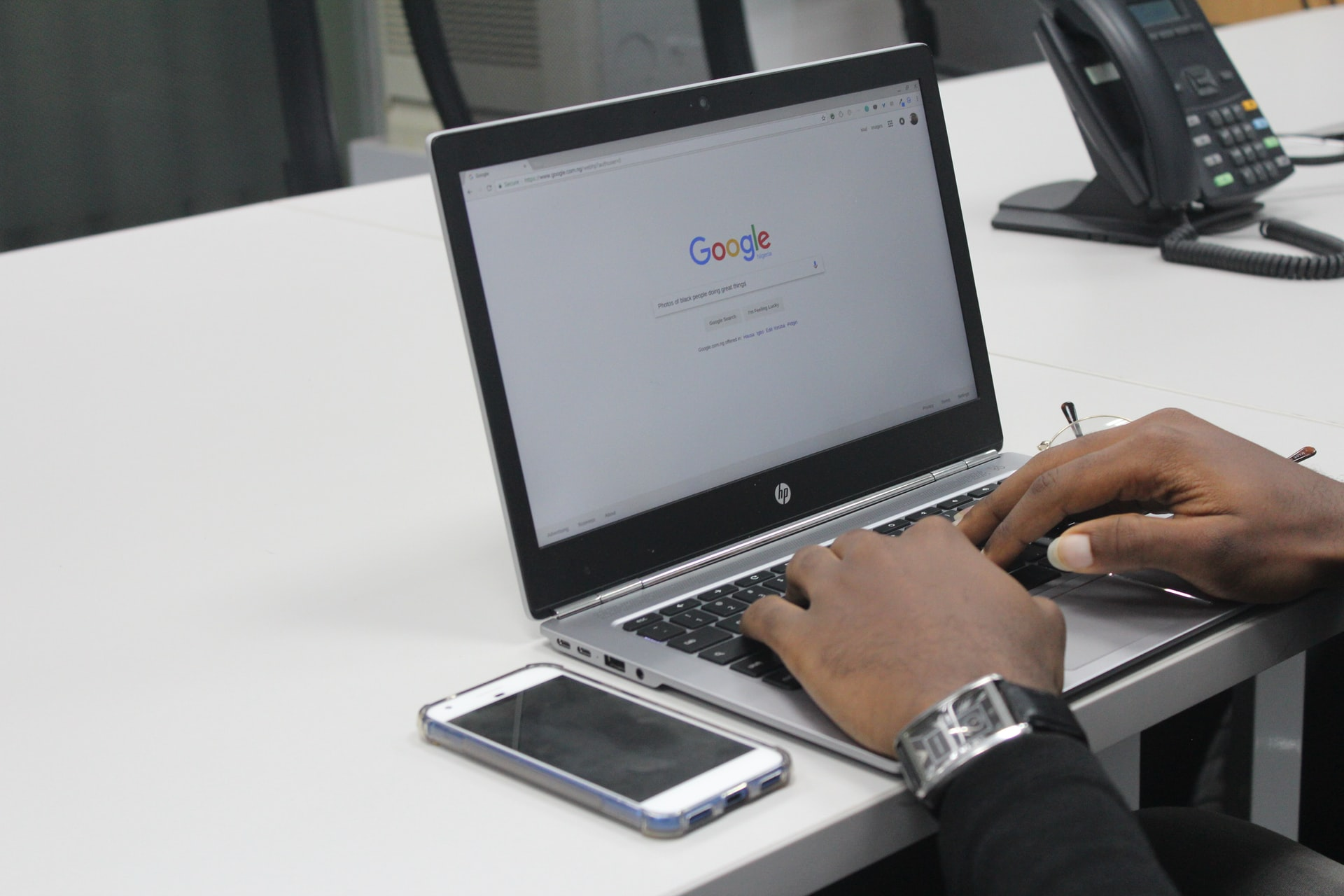 What's Wrong with Google–The Effect of Frequent Algorithm Changes