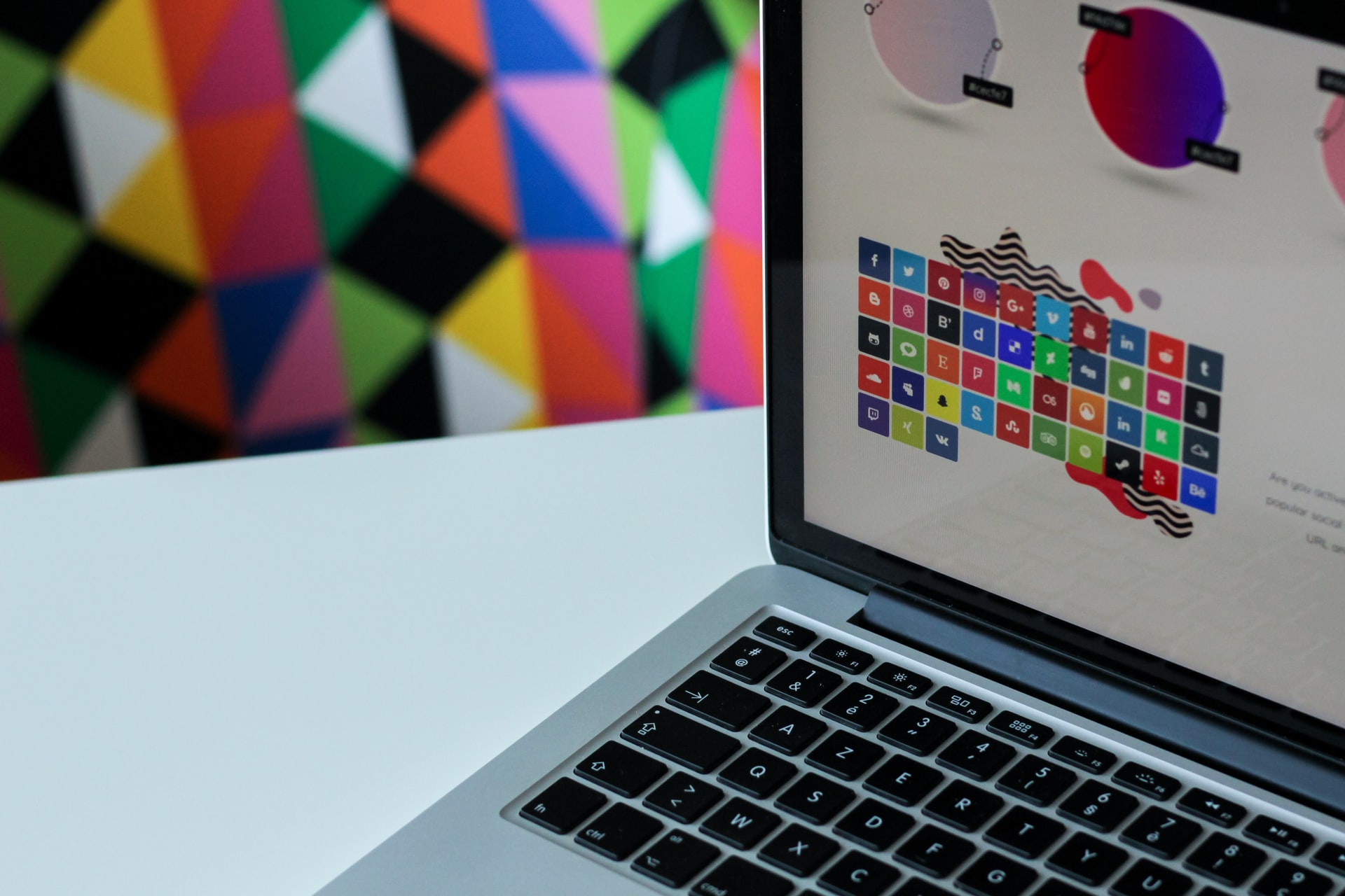 Tips for Choosing the Best Color Scheme for Your Website