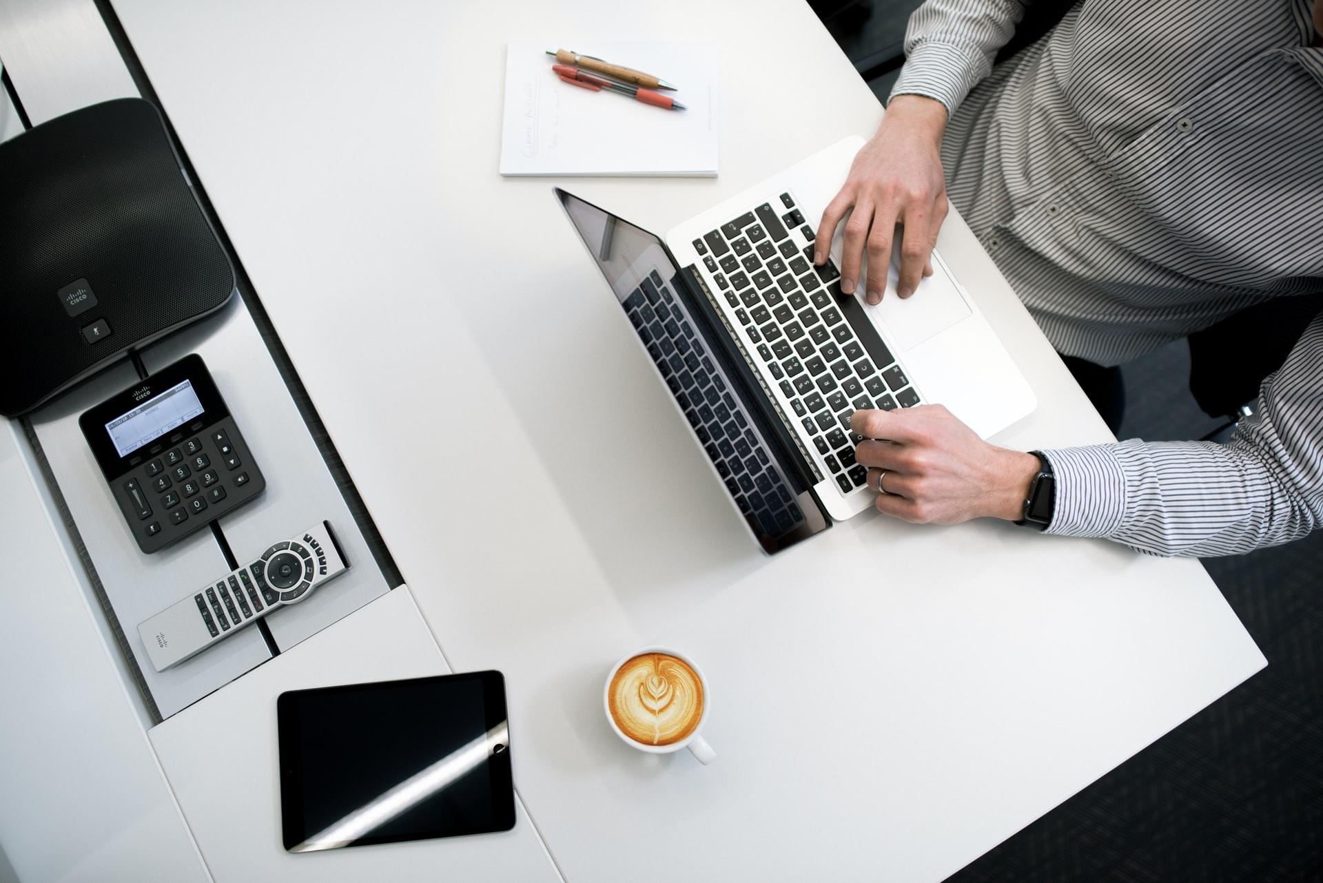 Key Tips for Balancing Digital Marketing and Creative Writing