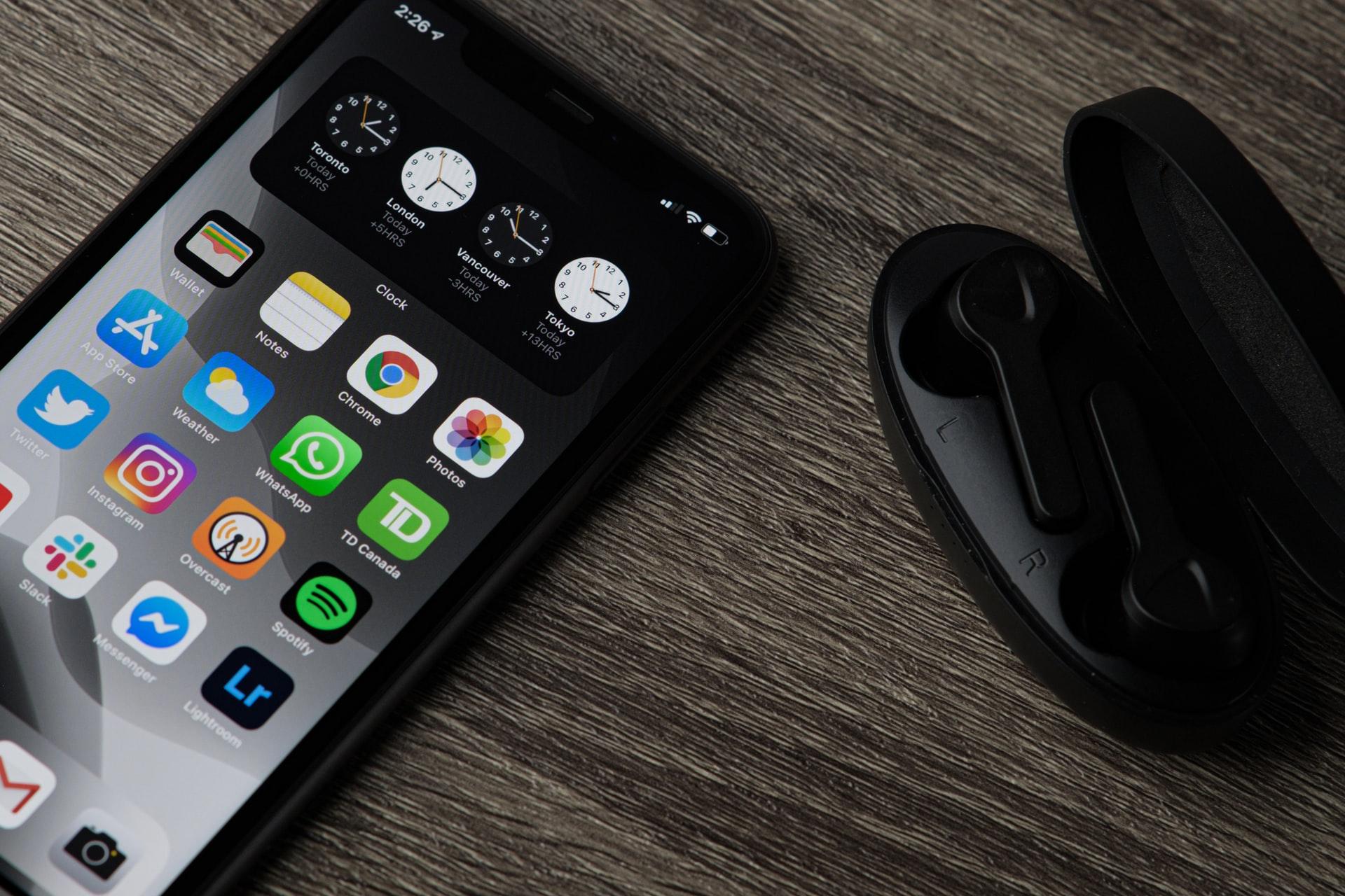 Top 10 Mobile App Design & UI Trends 2022